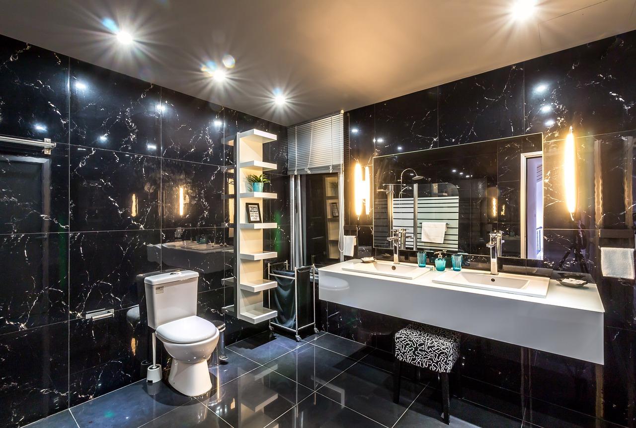 Limpeza De Casa De Banho De Suíte De Hotel
